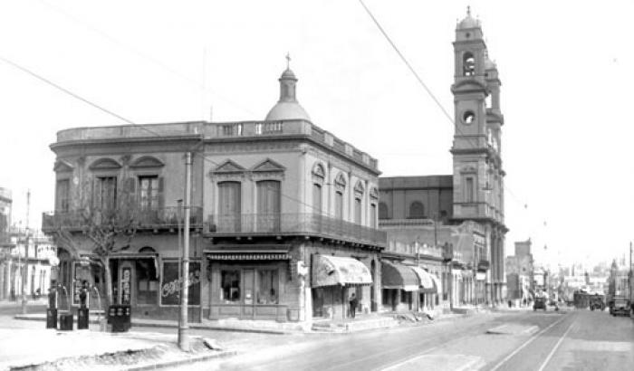 Avenida del Libertador e Iglesia de la Aguada. Año 1934.