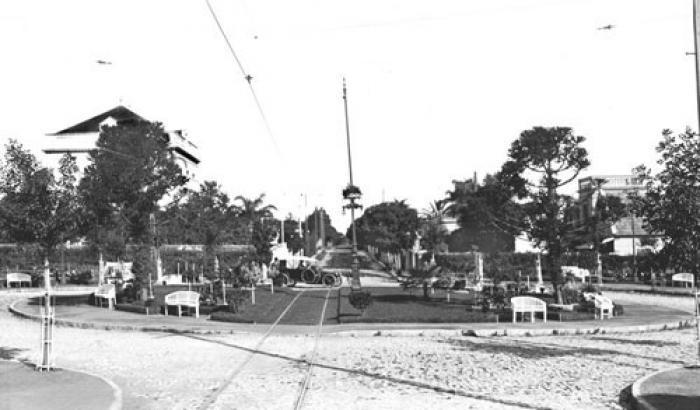 Plaza Florencio Escardó. Año 1916. (Foto 605 FMH.CMDF.IMM.UY)