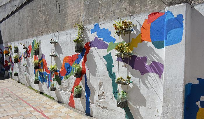 Mural realizado con plantas