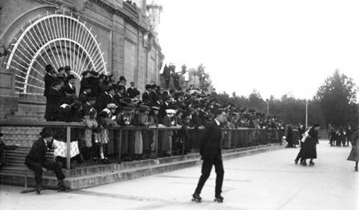 Pista de patín en Parque Capurro . Año 1917. (Foto 1691 FMH.CMDF.IMM.UY)