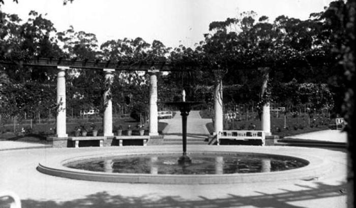 Rosaleda, Parque Prado. s-d. (Foto 6787 FMH.CMDF.IMM.UY)